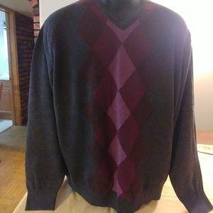VanHeusen men's sweater.